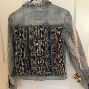 Bagatelle jean jacket with hupil on back